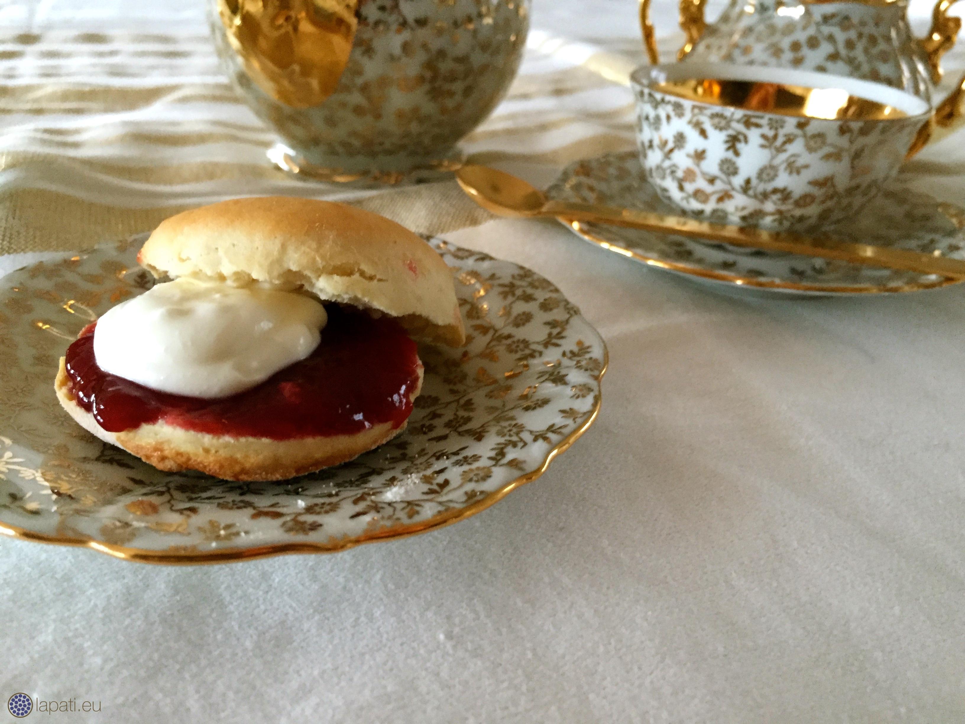 Englische Scones – Valentinstag mit englischen Afternoon Tea ...