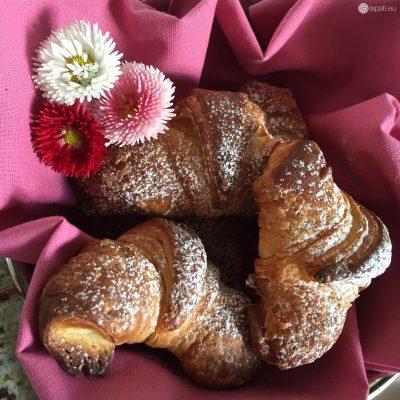 Da wird man doch gleich richtig hungrig: Ofenwarme Croissants nach französischer Art.