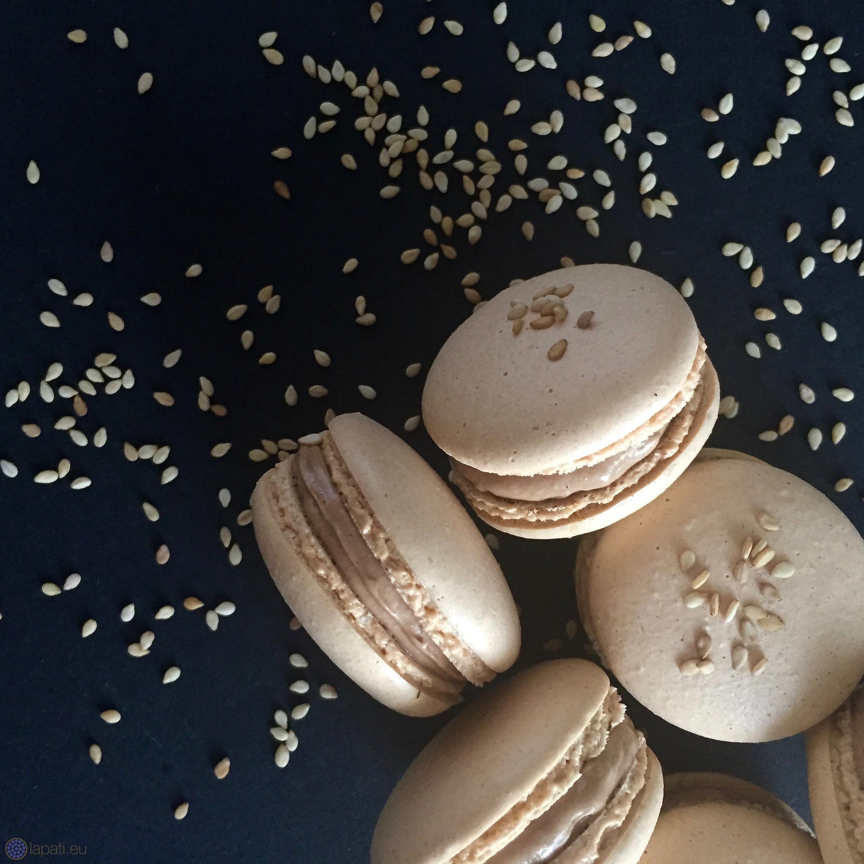 schokoladige sesam macarons geschmack ist das wichtigste lap tisserie. Black Bedroom Furniture Sets. Home Design Ideas