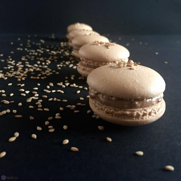 Wer Sesam liebt, wird auch diese Macarons lieben. Einfach nur lecker.