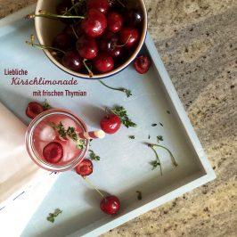 Limonade aus Kirschen und Thymian