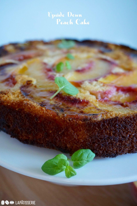 Upside Down Peach Cake oder wieso man Kuchen öfter mal auf den Kopf stellen sollte.