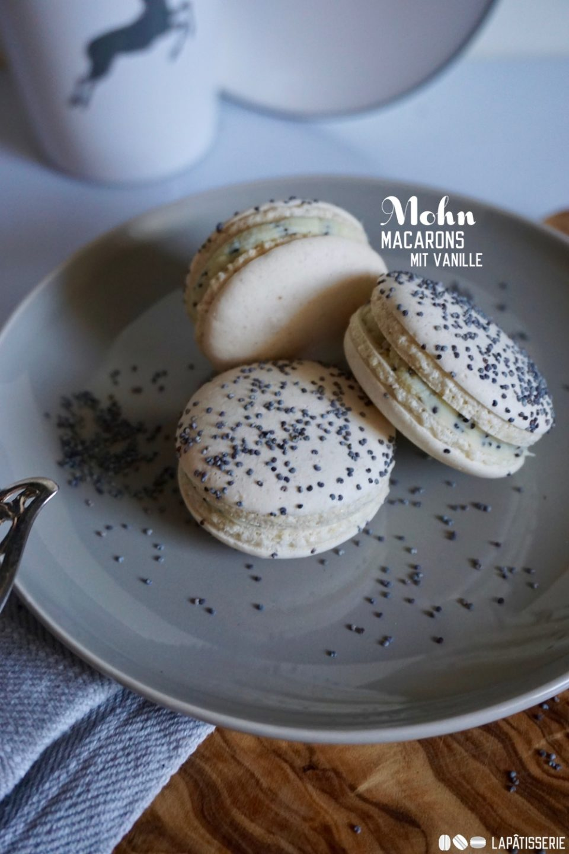 Einfach lecker: Mohn-Macarons mit Tahiti-Vanille und Valrhona Schokolade.