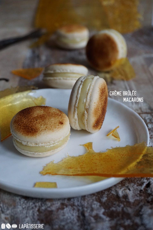 Le Jour du Macaron: Großes Finale mit feinen Crème Brûlée Macarons. Gefüllt mit Vanilleganache und Karamell.