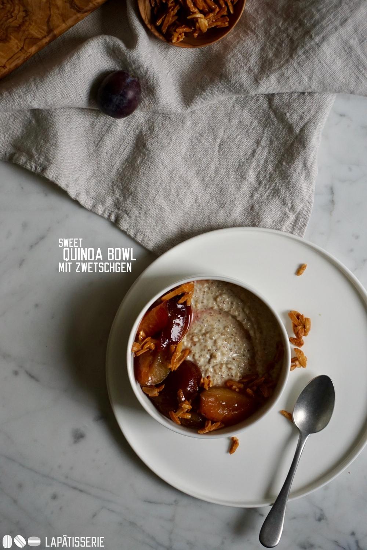 So lecker und gesund kann Frühstück sein mit meiner süßen Quinoa Bowl und Zwetschgenkompott.