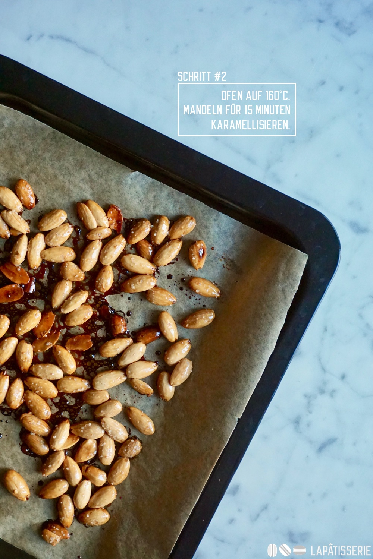Schritt #2: Mandeln bei 160°C für 15 Minuten karamellisieren.