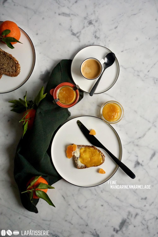 Bleibt doch einen Moment und frühstückt mit uns. Es gibt auch feine Mandarinenmarmelade.