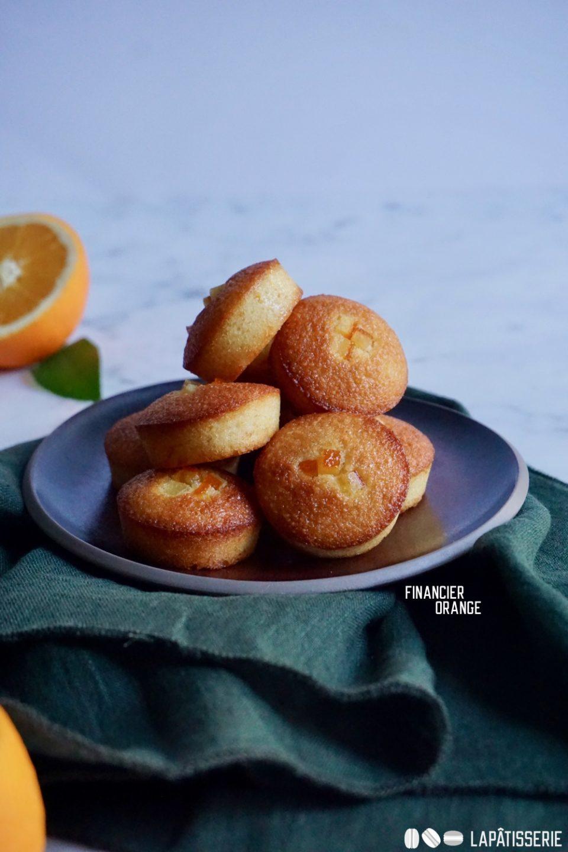 Schnelles Kuchenglück mit diesen winterlichen Financiers mit Orange.